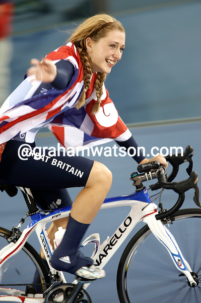 Laura Trott celebrates winning the Gold medal in the womens Omnium