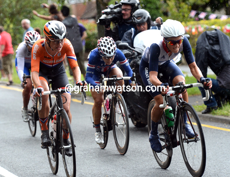 Armitstead is in this move and realises it might become the winning escape