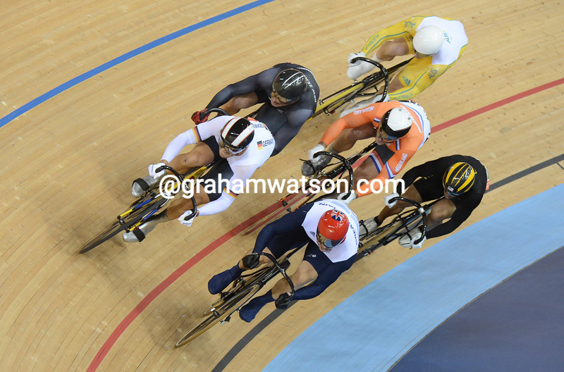 Hoy leads Levy and Van Velthooven with a lap to go of the Mens Keirin