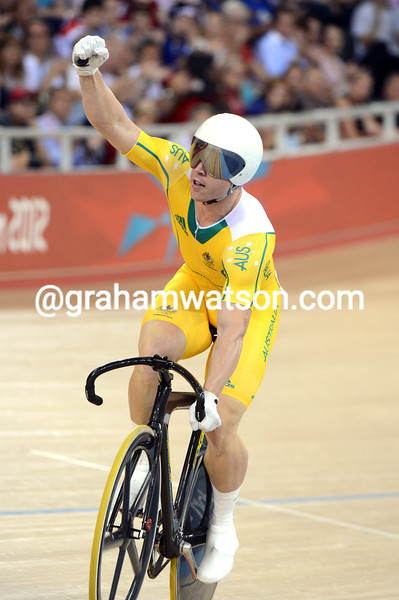 Shane Perkins celebrates winning the bronze medal in the mens sprint