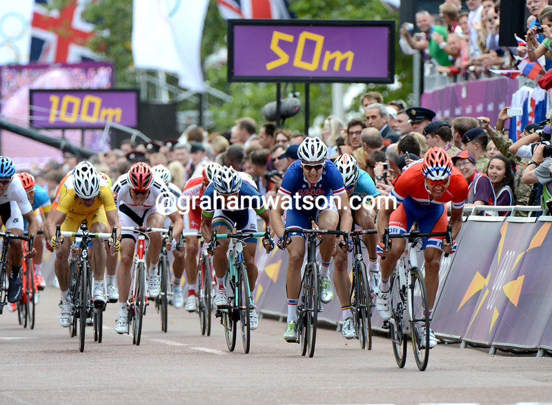 Alexander Kristoff wins the sprint for 3rd place, and the bronze medal, from Taylor Phinney