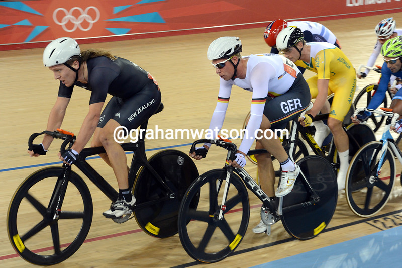 Shane Archbold leads Roger Kluge and Glenn O'Shea in the 30-kilometre omnium event