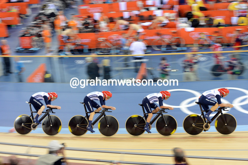 Great Britain beat the World and Olympic records in qualifying for the mens Team Pursuit