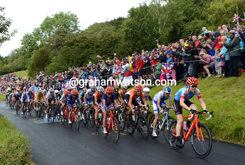 Clara Hughes leads the womens race on the first of two ascents of Box Hill