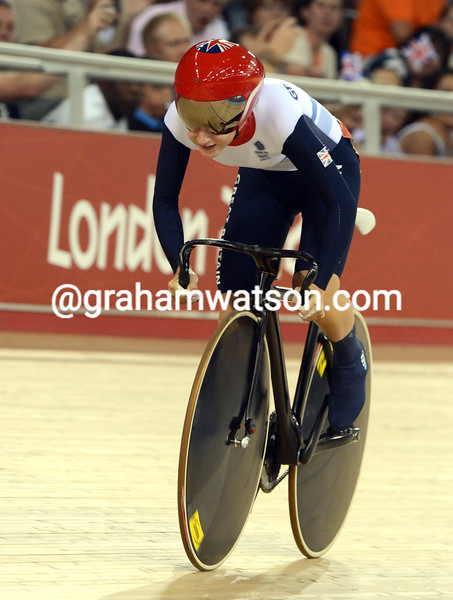Laura Trott won the flying lap race and went on to win the Gold medal in the womens omnium