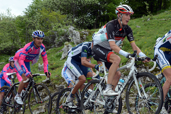Andy Schleck has slipped out of the favourites group on the Colombier - he'll lose almost 14-minutes today...