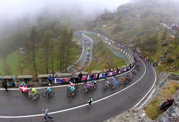 The Giro starts the steepest section of the climb to Cervinia as the cloud rolls in...