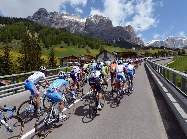 At last - the Giro can see and almost reach the Dolomites..!