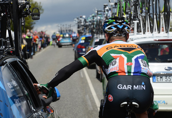 Robbie Hunter is sporting the peloton's most unusual national jersey - that of South Africa...