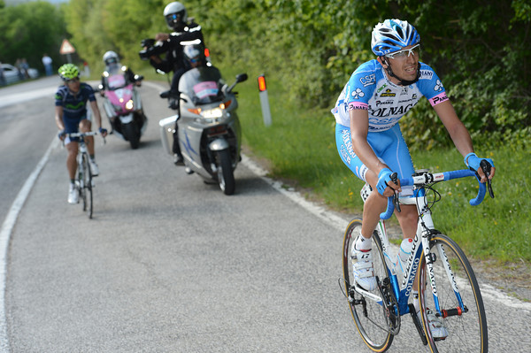 Sterfano Pirazzi has moved in front instead, and he has Lopez chasing him...