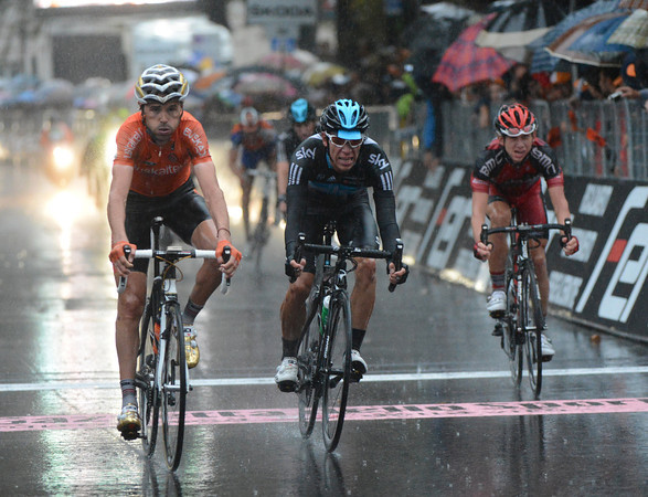 Sammy Sanchez beats Rigoberto Uran ten-seconds later after he and Contador refused to help chase Rodriguez...