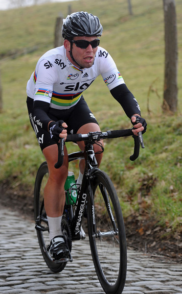 Cavendish has been dropped, but he's close enough to remain in contention for the rest of the day...