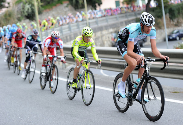 Omega with Stijn Vandenebergh are determined Cavendish won't make it back today...