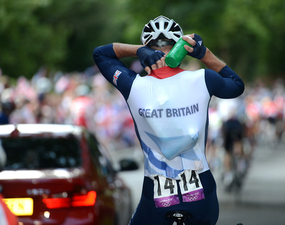 Ian Stannard collects bottles for Team GB - there's no change in his working routine, then..?!