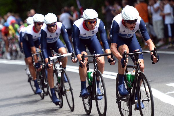 Chris Froome leads all five GB riders in their chase, but it's hard work closing the 40-seconds gap...