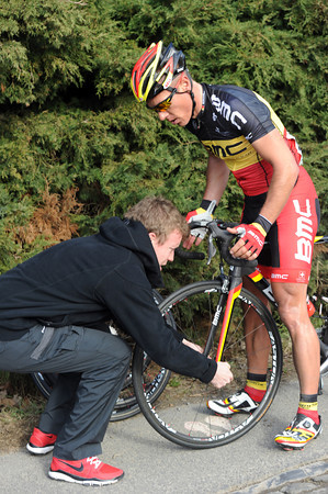 Philippe Gilbert's chances have ended with a flat tyre on the Eikenberg...
