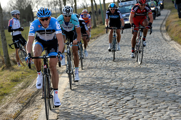 Van Marcke is flying now - he's still attacking on the Paddiestraat cobblestones...
