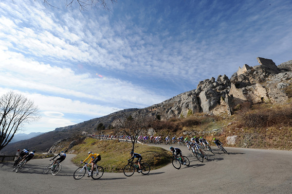 Team Sky lead the peloton down towards sea-level at Greolieres - now this is REAL Paris-Nice country..!