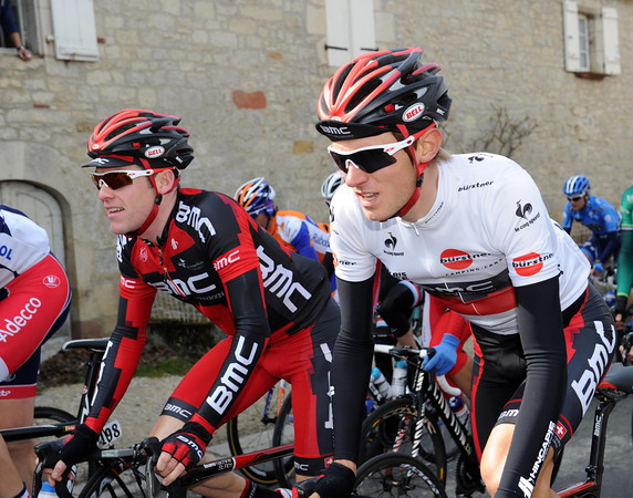 Tejay Van Garderen chats with Brent Bookwalter - probably about the loss of Taylor Phinney with a stomach bug...