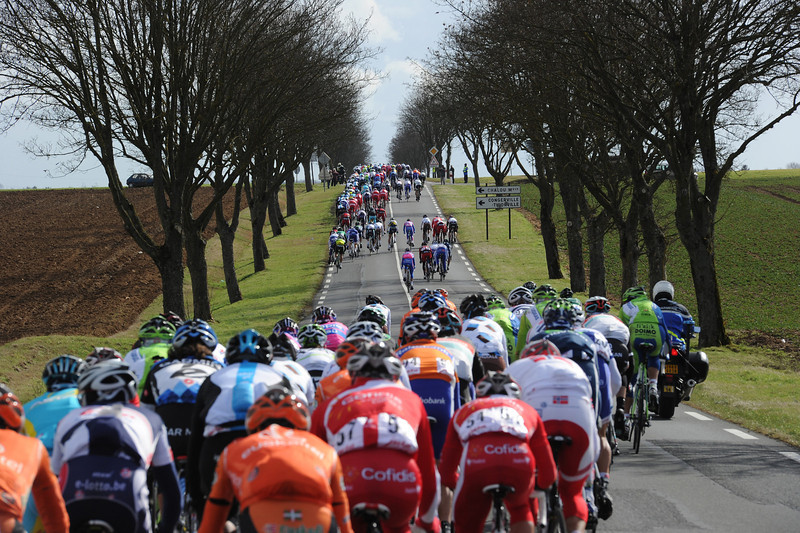 The 200-rider peloton is in as many pieces as the wind strikes again...