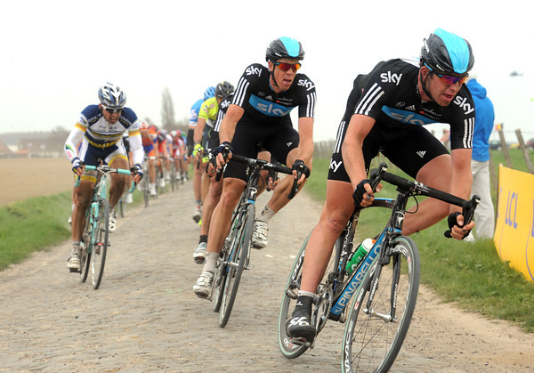 Stannard and Hayman chase hard for Team Sky at Bersee...