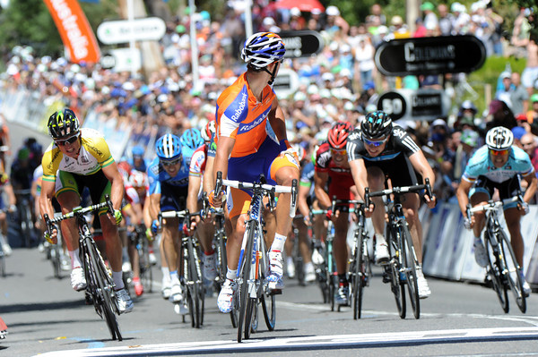 Michael 'Bling' Matthews wins 2nd-place from the peloton, one minute later...