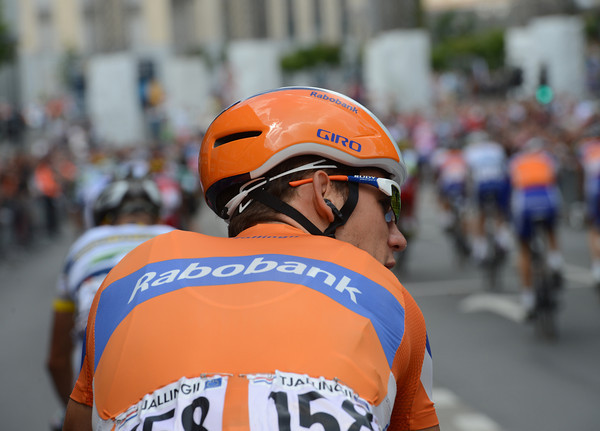 Maarten Tjallingii is sporting a new-look Giro helmet today...