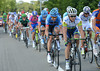 Simon Gerrans is in there for Green Edge, and there are 24 other cyclists in this move..!