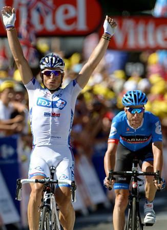 Pierrick Fedrigo wins stage fifteen ahead of breakaway companion, Christian Vande Velde...