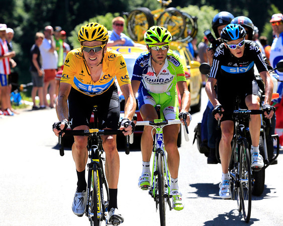 Bradley Wiggins is looking a bit strained in the heat and with the pressure on him...
