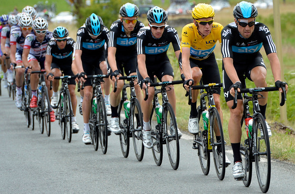 Team Sky seems to be pacing Bradley Wiggins when in fact they're chasing for Mark Cavendish...