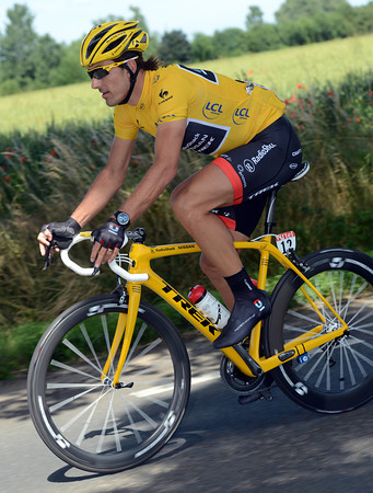 Cancellara is the perfect role model of a Maillot Jaune with an all-matching kit including Oakley's and Giro helmet...