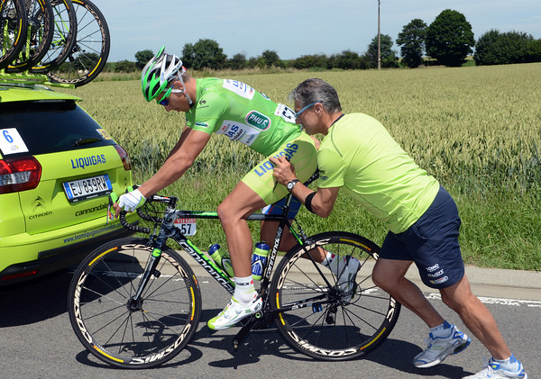 Peter Sagan has had his bike fixed as well...