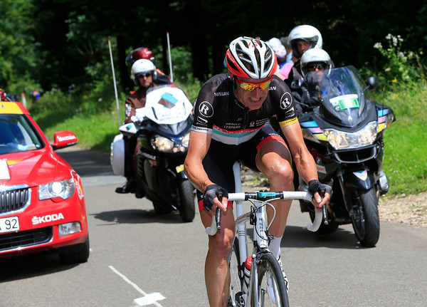 Jens Voigt is the first to attack..!