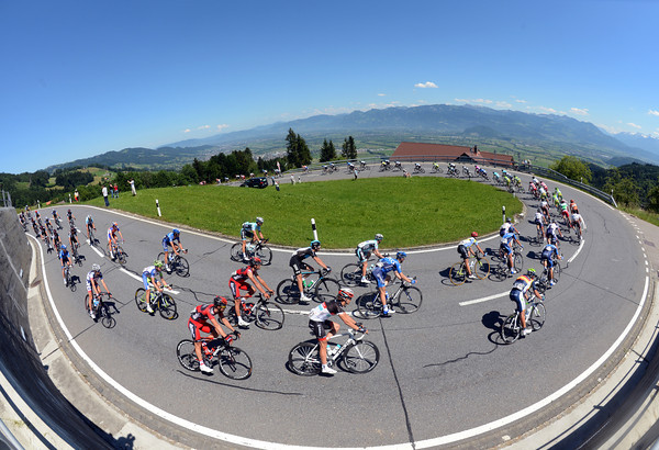 The peloton descends to the valley that separates Switzerland from Lichtenstein...