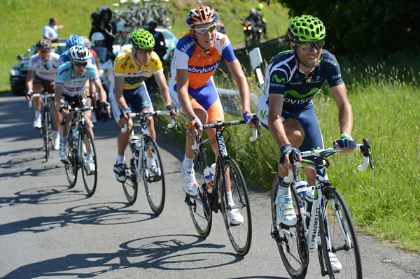 Valverde does some big pulls for Rui Costa...