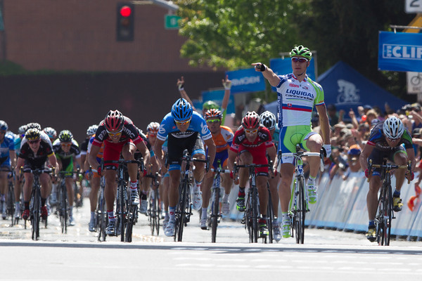 That effort paid off - Sagan easily wins the sprint into Santa Rosa, even with a flat in the last 10k!