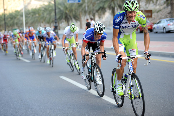 Danilo Oss attacks, splitting the small peloton with six-kilometres to go...