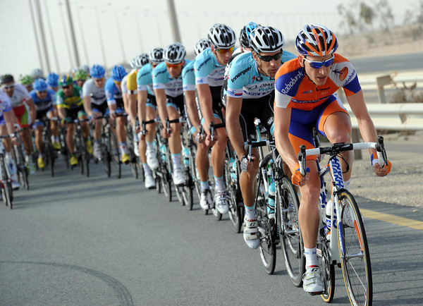 Rabobank take over the serious chasing, today's a big day for their leader, Mark Renshaw...