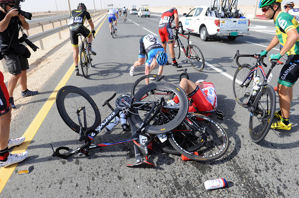 Tyler Farrar and Maurio Fischer have been caught up in the crash...