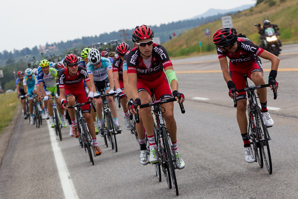 As the peloton ramps up the pace to reel in the break, BMC discuss tactics as Taylor Phinney leads the pursuit...