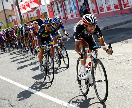 Tiago Machado accelerates at the head of the peloton - their man Bennati could win if it's a big sprint...