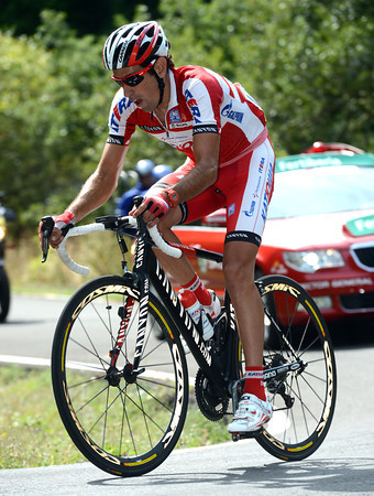 Losada has taken off alone at the foot of the last climb...