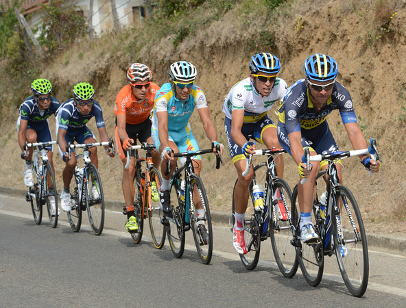 Contador has joined Paulinho in front, they lead Rodriguez by almost one minute now...