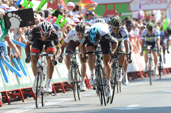 The sprint is between Bennati and Swift, and the Sky rider is just in front with 50-metres to go..!