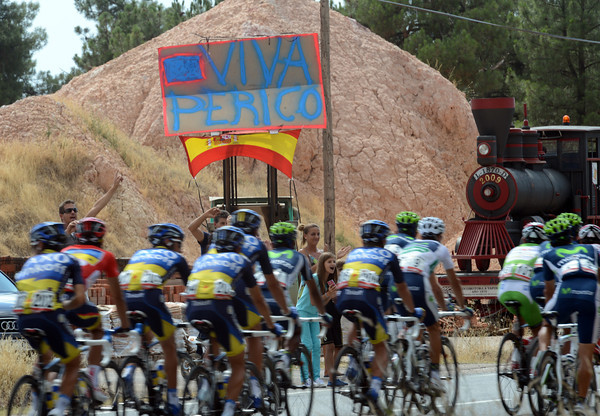 In case anyone didn't notice, the Vuelta is in Pedro Delgado's back yard today - Venga Perico..!