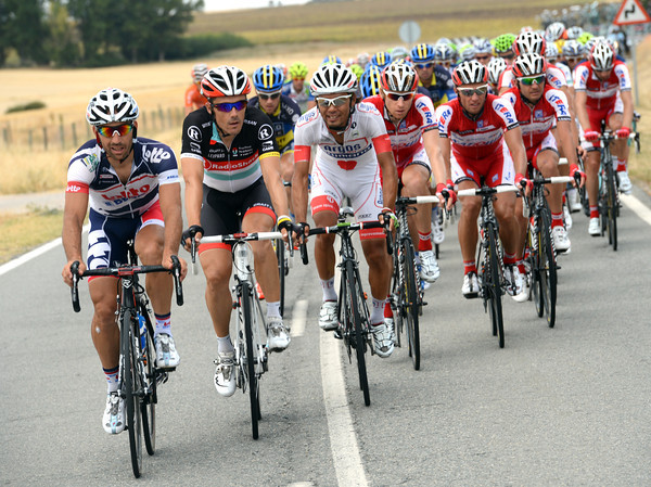 Lotto, Shack, Argos and Katusha are starting to ride faster at the head of the peloton...