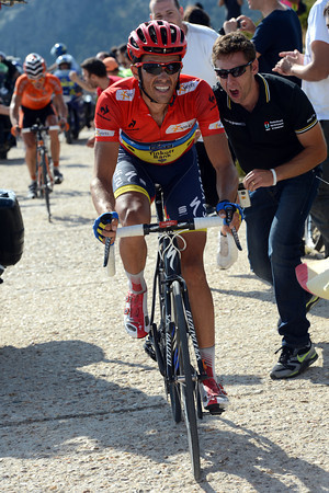 Contador need not worry about Rodriguez, but the Bola del Mundo is one climb too many for the race-leader...
