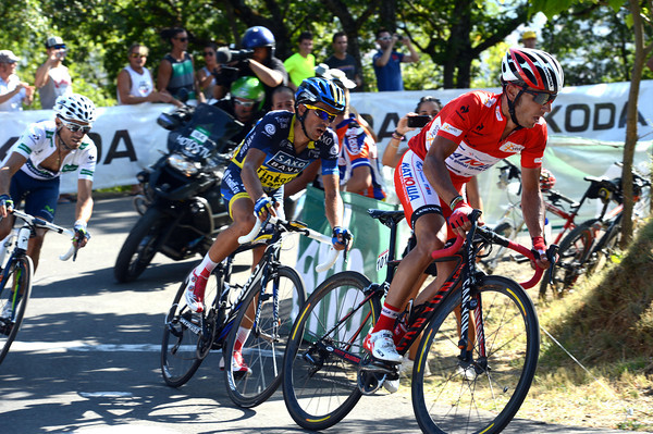 Rodriguez, Contador and Valverde follow Froome throiugh a corner - who's going to win this stage..?