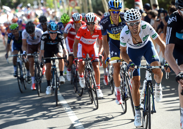 Alejandro Valverde and Alberto Contador don't look too comfortable as they sit behind Froome and Intxausti...